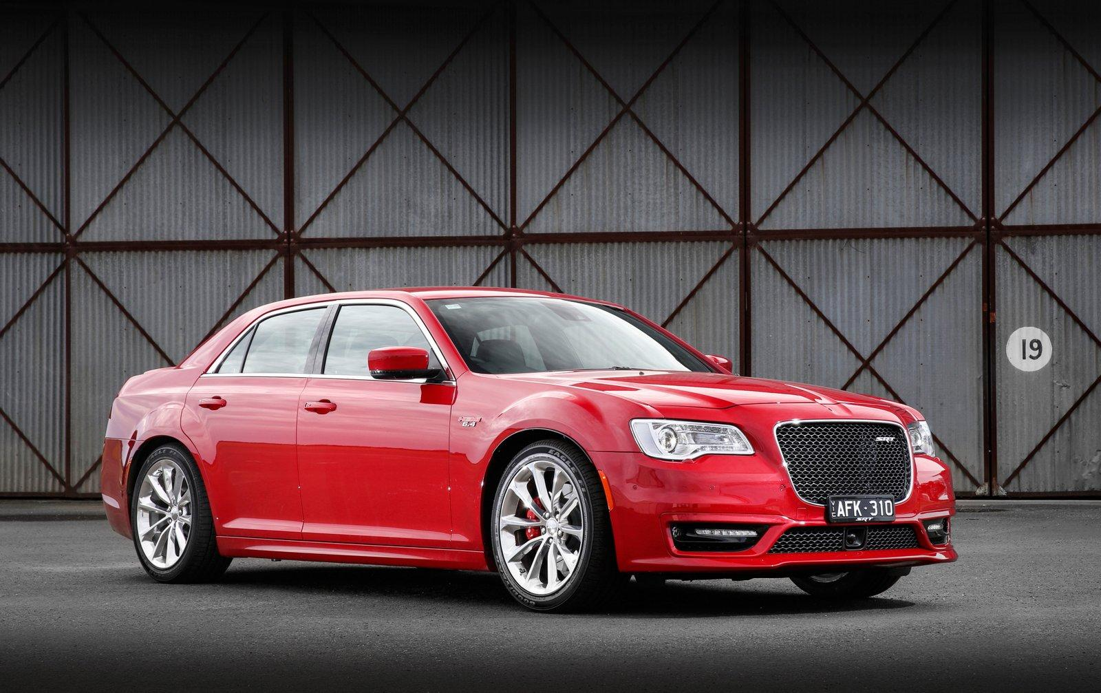 Chrysler 300 2016 Hemi >> 2016 Chrysler 300 SRT Earns 6.4L HEMI V8, Not Available in ...