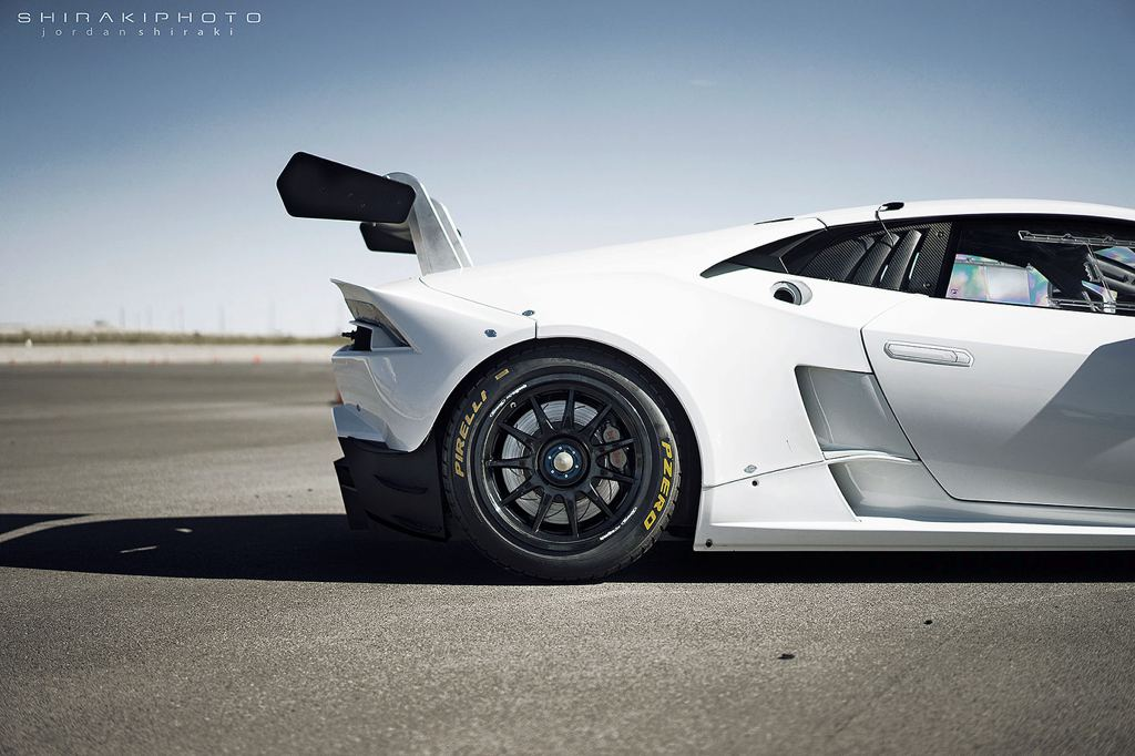 thread lamborghini huracan super trofeo without a livery looks like a stormtroopers car