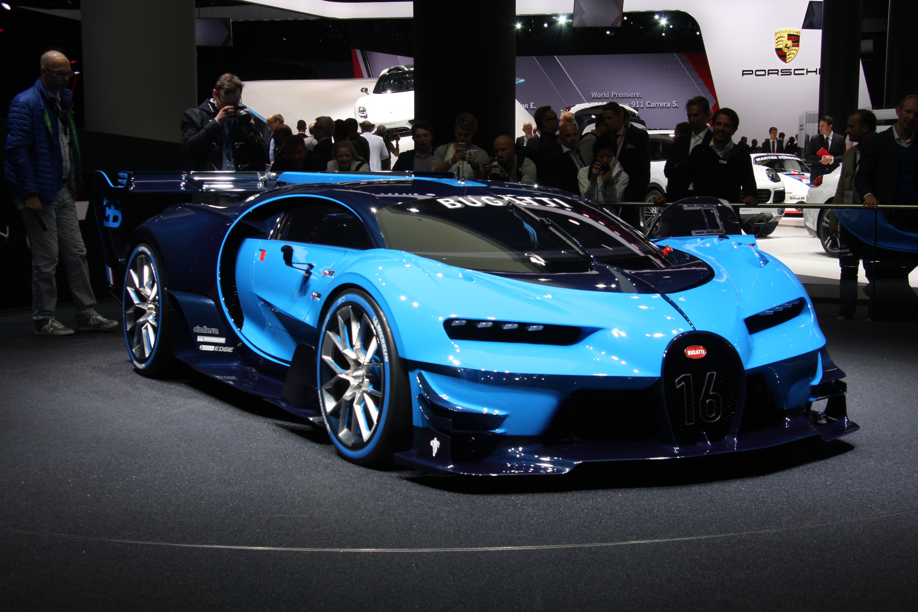Land Speed Record >> Bugatti Previews Veyron Successor With Vision GT Concept ...